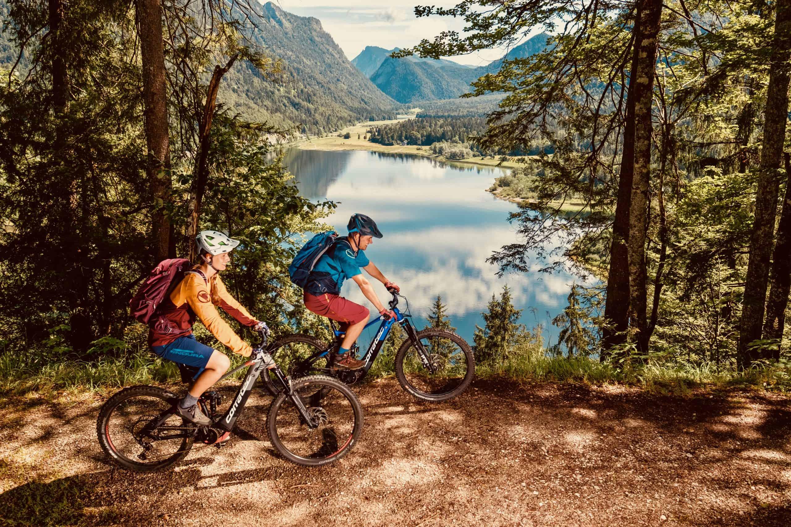 Mountainbiken am Weitsee - Ferienwohnungen Wolfenstetter in Reit im Winkl Copyright: Chiemgau Tourismus e.V.