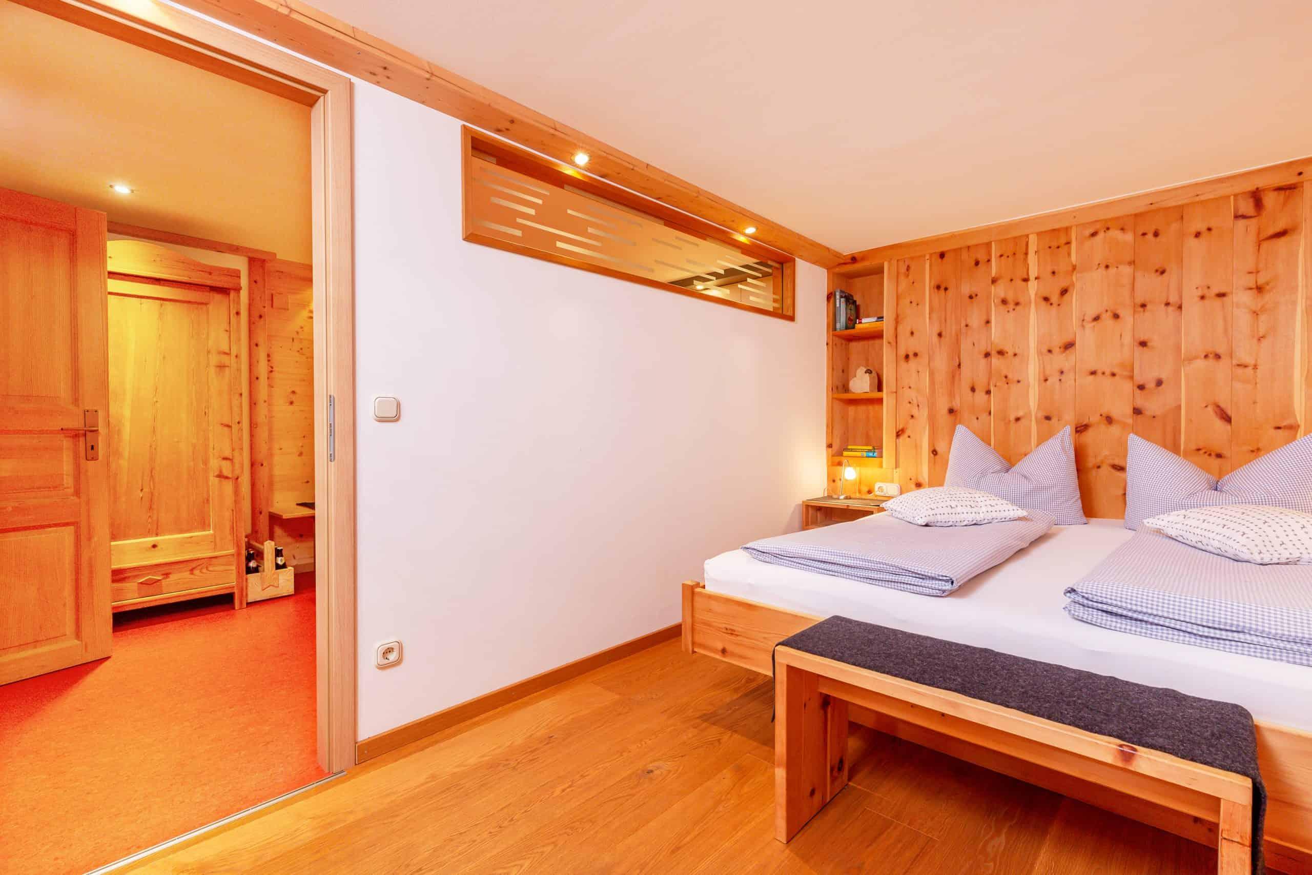 Schlafzimmer der Ferienwohnung Wilder Kaiser der Familie Wolfenstetter in Reit im Winkl