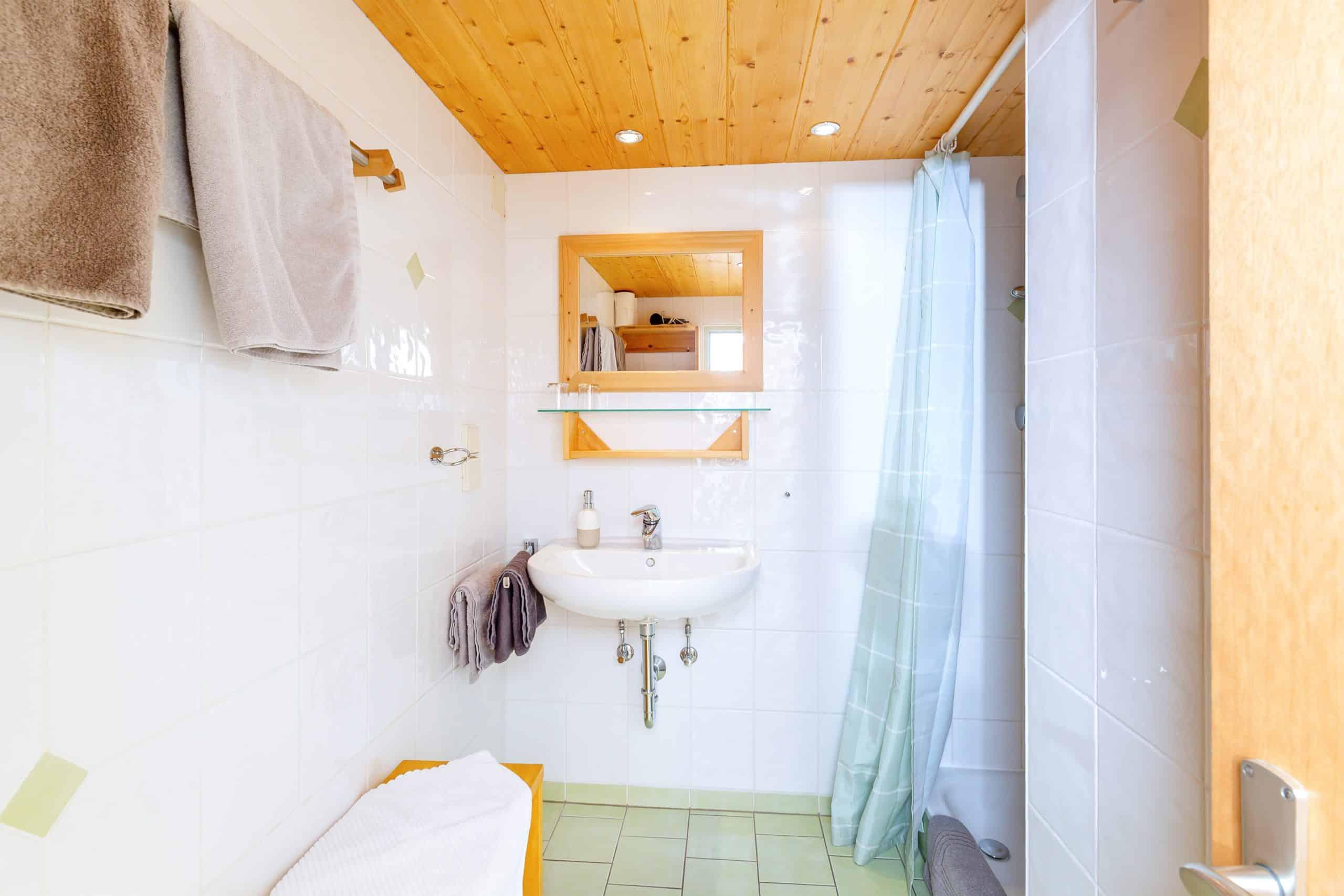 Das Bad der Ferienwohnung Wilder Kaiser der Familie Wolfenstetter